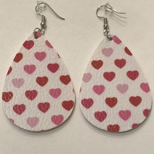 🆕White w/Red & Pink Hearts Faux Leather Earrings